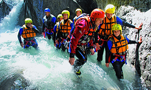 Gruppe beim Canyoning